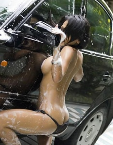 hot-chicks-wash-cars-24